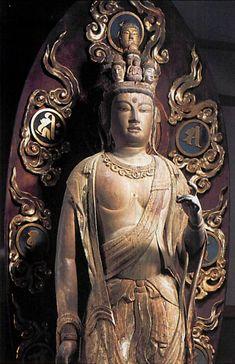 【広島・龍華寺/十一面観音像(平安後期)】像高190cm。桜材。一木造。右手首、左手の肘先以下、両の足先は別材。昭和10年(1935年)の修理の際、胎内から10枚の延喜通宝が発見された。10世紀前半頃に造立されたと推測される。