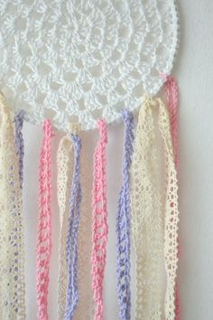 crochet dreamcatcher, white, pink, purple,
