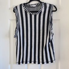 Zara vertical stripe muscle tank This item has been used. Good condition. Black and white. Vertical stripes. Linen blend. Zara Tops Muscle Tees