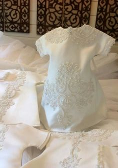 Lovely Angel Gowns, Angel Dress, Baby Gown Design, Bridal Gowns, Wedding Gowns, Gown Pattern, Christening Gowns, Sewing Projects, Micro Preemie