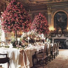 garden — missspite: (via Chintz of Darkness: War of the. Fine Dining, Dining Table, Dining Room, Wedding Decorations, Table Decorations, Centerpieces, Wars Of The Roses, Tablescapes, Floral Arrangements
