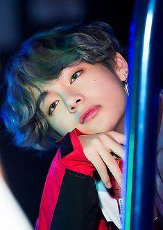What could be better than HD photos of your favorite BTS members? So here's 10 photos of each BTS member for your viewing pleasure. Jimin Suga V Jungkook Jin Rap Monster J-Hope Bts Taehyung, Bts Bangtan Boy, Bts Boys, Taehyung Red Hair, Bts Jungkook, Daegu, Namjin, Foto Bts, Yoonmin