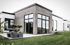 Modern House Plans, Mansions, House Styles, Home Decor, Decoration Home, Room Decor, Villas, Interior Design, Home Interiors