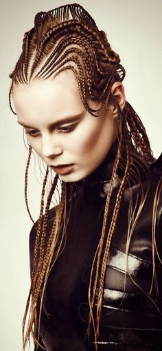 10 braided hairstyles as works of art, we can not just say weave! Are you ready to meet knitting patterns that look like a piece of art? We know how much we love braided hairstyles. Plaits Hairstyles, Cool Hairstyles, Big Braids, Tree Braids, Avant Garde Hair, Long Brunette, Fantasy Hair, Creative Hairstyles, Light Hair
