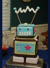 Isn't this a cute whimsical robot? I wonder if I could succeed in making something like this.