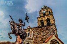 Santo Santiago Apóstol en el atrio de la parroquia de Compostela Nayarit México.