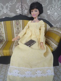 Mary Bennet Diorama (dress purchased on Etsy). Even though yellow might be Elizabeth's colour, I thought the dress was more plain and in keeping with Mary's sensibilities. Mary Bennet, Jane Austen Novels, Pride And Prejudice, Regency, Diorama, Fashion Dolls, Barbie Dolls, Authors, English
