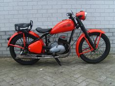 This isn't an Indian its a 1950 CZ , which has an Indian flavor. CZ was founded 1919 in Strakonice (town in the South Bohemian Region of the Czech Republic) and in 1932 CZ produced its first Motorcycle Vintage Cycles, Vintage Bikes, Vintage Motorcycles, Custom Motorcycles, Motorcycle Companies, Motorcycle Gear, Enfield Bike, Super 4, Hell On Wheels