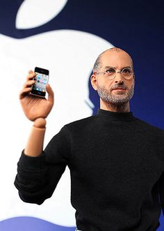 The Steve Jobs Action Figure Does NOT Come With An iPhone