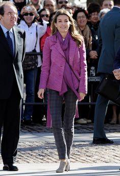 Queen Letizia of Spain Photos - Spain´s Princess Letizia Visits Zamora - Zimbio