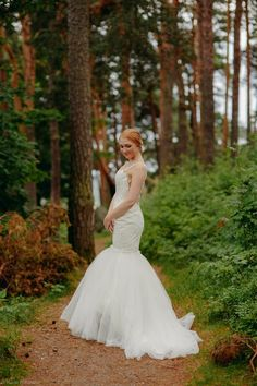 2017 style from new brand Victoria & Vincent. Photo: Maria Peltomaa Make up and jewellery: Hair:Auli/NAPS Porvoo Model: Lotta Fashion 2017, Mermaid Wedding, Victoria, Brand New, Jewellery, Wedding Dresses, Model, Hair, Style