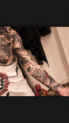 Awesome compass and black and grey sleeve