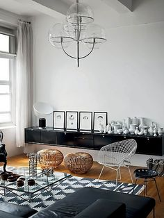 All these chairs, stools and ottomans are only safe for sitting if you're in trousers or long skirts... You wouldn't want a patterned bum or thighs.
