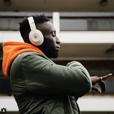 The satisfaction of the technology Wireless Headphones, Beats Headphones, Over Ear Headphones, Beats By Dre, Swagg, Dream Life, Fashion Watches, Photoshoot, Technology