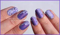nail art fleurs one stroke facile sur holographique