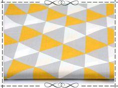Stoff retro - Baumwolle, honiggelb-grau-weiße Dreiecke - ein Designerstück von imagine-shop bei DaWanda