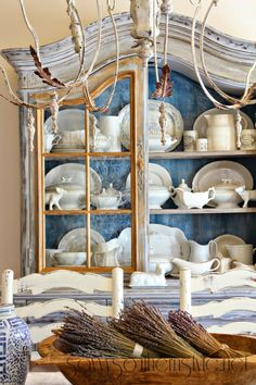 Savvy Southern Style: Creating French Country Style With Collections French Country Living Room, French Country Farmhouse, French Country Style, Farmhouse Decor, French Cottage, Modern Country, Cottage Style, French Decor, French Country Decorating