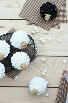 Mashmellow sheep cupcake