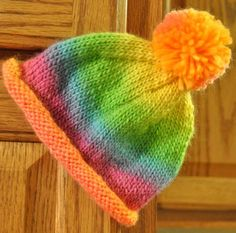 Easy Rolled Brim Hat FREE knitting pattern ||| Devin Likes to Knit