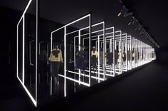 Exhibition Esprit Dior in Seul Design Plaza, Stage Design, Event Design, Vitrine Design, Exhibition Stand Design, Zaha Hadid Architects, Expositions, Light Installation, Display Design