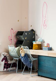 Speelhoek voor de kinderen met opbergbakken bij Jojanneke en Bastiaan uit aflevering 10, seizoen 3 | Make-over door Femke Pastijn | Fotografie Barbara Kieboom