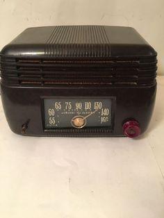 Vintage 1950s Art Deco General Electric Model 200 Bakelite Radio Works