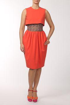легкое оранжевое платье с юбкой длины миди, приталенного силуэта Dresses For Work, Formal Dresses, Fashion, Formal Gowns, Moda, Fashion Styles, Formal Dress, Gowns, Fashion Illustrations