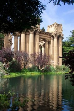 palace of fine arts, san francisco.  Such a lovely place for a picnic.  Was so jealous that my sister could hang out there all the time.