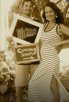 Pregnancy announcement twins