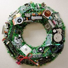 Inspiration: computer parts wreath #diy #crafts #geek #recycle #reuse #repurpose #christmas #holidays - might have to make one of these for the hubby...