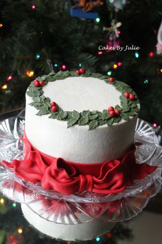 Great way to decorate a red velvet cake for Christmas