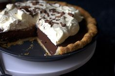 Chocolate Pudding Pie: Easy to make and easy to eat!