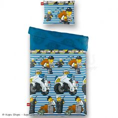 Blauw gestreept dekbedovertrek met de bekende Lego poppetjes. Op het katoenen overtrek, Police Line, is zojuist de bank overvallen, gelukkig heeft de politie de boeven snel gevangen! MaatDit dekbedovertrek heeft een maat van 140 x 200 cm en wordt geleverd met een kussensloop van 60 x 70 cm.MateriaalHet beddengoed is gemaakt van 100% katoen. Het katoen van is van fijne kwaliteit, ademend en voelt comfortabel en soepel aan.