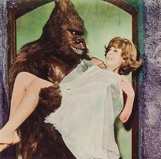 Time for the Ape of the Day! Fun fact: Zogo was starting to fear charm school had been a waste of money. Planet Movie, Strange Beasts, Tv Movie, Classic Horror Movies, Damsel In Distress, Classic Monsters, Vintage Horror, Old Movies, Vintage Movies