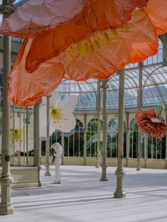 Click for full article: #palaciodecristal #artinstallation #artexhibition #modernart #contemporaryart #moderndesign #sculpture #modernsculpture #bigsculpture #flower #flowerart