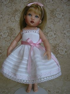 5 Riley by Tomi Jane, via Flickr