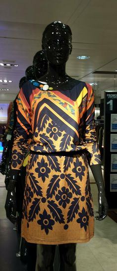 This Desigual lovely dress will look perfect at my wardrobe!!