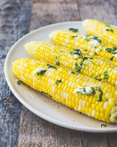 How to Make the Best Corn on the Cob {with basil garlic butter}