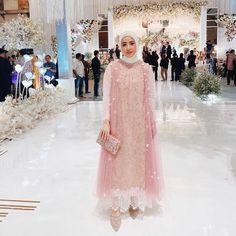 Dress Brokat Muslim, Dress Brokat Modern, Dress Pesta, Muslim Dress, Dress Outfits, Fashion Dresses, Maxi Dresses, Hijab Dress Party, Minimal Dress