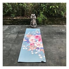 A perfect place for some zen on a perfect yoga mat 🌿 #Ganesha