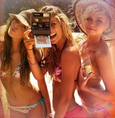 Pictures of you and your friends at a pool party just got a whole lot easier. Don't trust some creeper with your phone. DIY with tribbit. Keep it safe and clean. Don't be dumb with your smartphone.