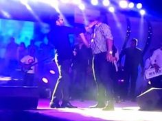Mika Singh Slapped A Doctor In Delhi Live Concert, Case Filed - http://shar.es/1gUPXj  #MikaSIngh #PoliceCase #FIR