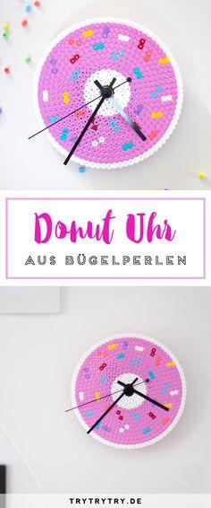 Ein richtig süßes DIY: Diese süße Donut-Uhr aus Bügelperlen kannst du ganz leicht nachmachen!