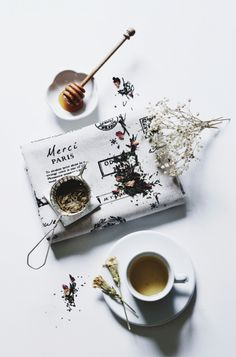 In need of a detox? Get your Detox on with 10% off using our discount code 'Pinterest20' at checkout: www.stayleantea.com.au (Skincare Ingredients Flatlay)