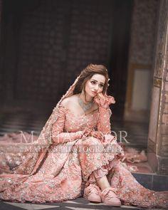 I am ready but where is my groom 🙄🙄🙄 not ready yet? 🤷�♀� Pakistani Bride and Groom Pakistani Bridal Hairstyles, Asian Wedding Dress Pakistani, Pakistani Bridal Makeup, Pakistani Dress Design, Bridal Lehenga, Pakistani Dresses, Walima Dress, Indian Bridal, Indian Dresses