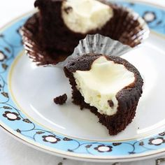 """#justfabfoodiefashion I would wear the Just Fab """"The Signature Skinny"""" jeans in black when eating what else?  Black-Bottom Cupcakes from Cook's Country. http://www.justfab.com/index.cfm?action=shop.viewproduct=1=misc_product_location_id=106_id=187111=shopping_pages_apparel_denim_cigarette_product_id=187111_master_product_id=187111"""