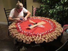 Pots, Pans & Paintbrushes: Chevron & Burlap No Sew Ruffle Tree Skirt