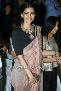 Blouse Design Images to Inspire You! Dhoti Saree, Saree Dress, Saree Blouse, Indian Dresses, Indian Outfits, Indian Clothes, Bridesmaid Saree, Sari Blouse Designs, Blouse Patterns