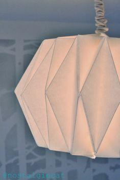 nostalgiecat: DIY Origami paper lampshade... TUTORIAL + how to make no-burn paper