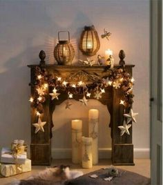 Hottest Images fake Fireplace Mantels Tips Fireplace Mantel Décor Styles For The Christmas Season Christmas Mantels, Noel Christmas, All Things Christmas, Winter Christmas, Christmas Crafts, Christmas Decorations, Holiday Decor, Diy Christmas Fireplace, Christmas Ideas